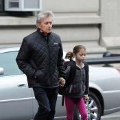Michael Douglas : Sa seule préoccupation, emmener sa fille à l'école !