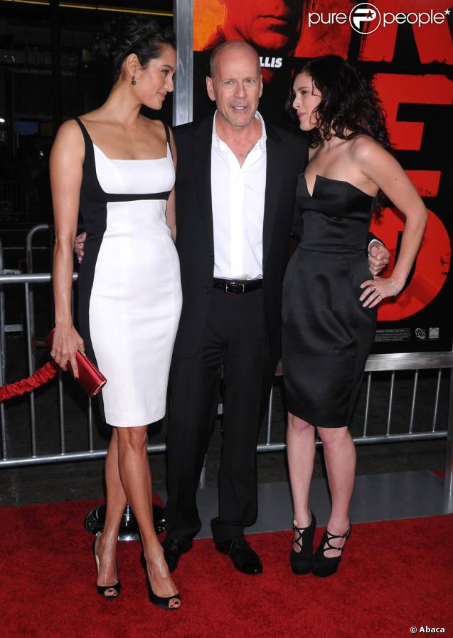 Emma Heming, Bruce Willis et Rumer Willis, à l'occasion de l'avant-première de  RED , qui s'est tenue au Graumann's Chinese Theatre d'Hollywood, à Los Angeles, le 11 octobre 2010.