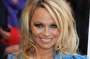 Pamela Anderson ne baisse pas les bras et se dévoile encore un peu plus !