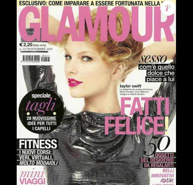 La chanteuse américaine Taylor Swift en couverture du Glamour Italie du mois de novembre 2010