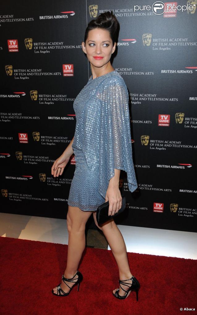 Marion Cotillard, dans une robe Elie Saab, lors de la remise des Britannia Awards des BAFTA le 4 novembre 2010 à Los Angeles