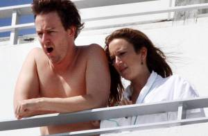 Edward Norton, si discret habituellement, s'affiche à demi-nu avec sa compagne !