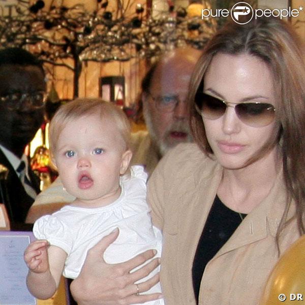 Shiloh et sa mère Angelina Jolie