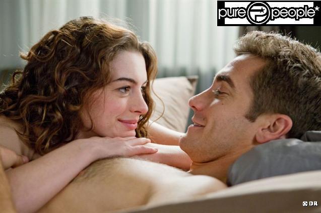 Jake Gyllenhaal et Anne Hathaway dans  Love et autres drogues , en salles le 29 décembre 2010.