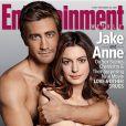 Jake Gyllenhaal et Anne Hathaway en couverture du magazine  Entertainement Weekly , pour la promotion de  Love et autres drogues , en salles le 29 décembre 2010.