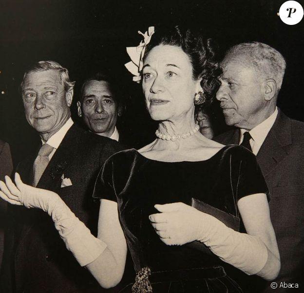 La vente de certains des bijoux issus de la collection privée du duc et de la duchesse de Windsor, un couple de légende, a remporté un franc succès lors d'une vente aux enchères administrée par Sotheby's, à Londres, le 30 novembre 2010.