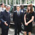 """""""Nicolas Sarkozy et Carla Bruni-Sarkozy sont en voyage officiel de quatre jours en Inde, en décembre 2010. Grâce à l'insistance de Carla, qui a subjugué en un instant ses hôtes, la visite diplomatique vire à la romance..."""""""
