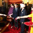 """""""Le 5 décembre 2010, Nicolas Sarkozy et Carla Bruni, après une parenthèse romantique notamment consacrée au Taj Mahal privatisé pour eux, arrivaient à New Delhi. L'opération séduction continue..."""""""