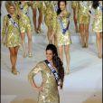 Barbara Morel est élue Miss Nationale 2011 devant les 1 000 spectateurs de la salle Wagram, à Paris, et devant le public de BFM TV, dimanche 5 décembre.