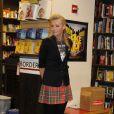 Portia de Rossi dédicace son livre Unbearable Lightness chez Borders Books ans Music le 7 décembre 2010 à New York