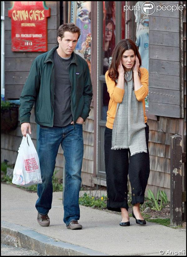 is ryan reynolds dating sandra bullock. 2011 Is Ryan dating Sandra