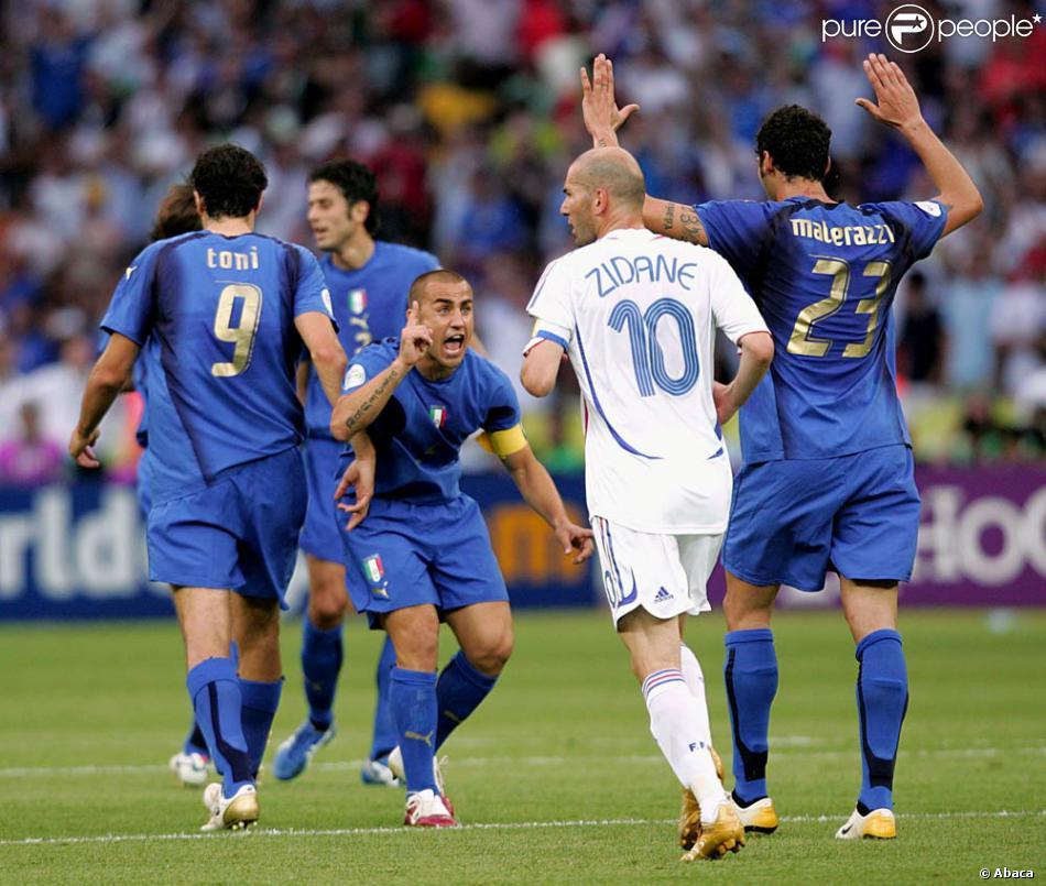 Zinedine zidane et marco materazzi en finale de la coupe du monde berlin le 9 juillet 2006 - Coupe du monde de foot 2006 ...