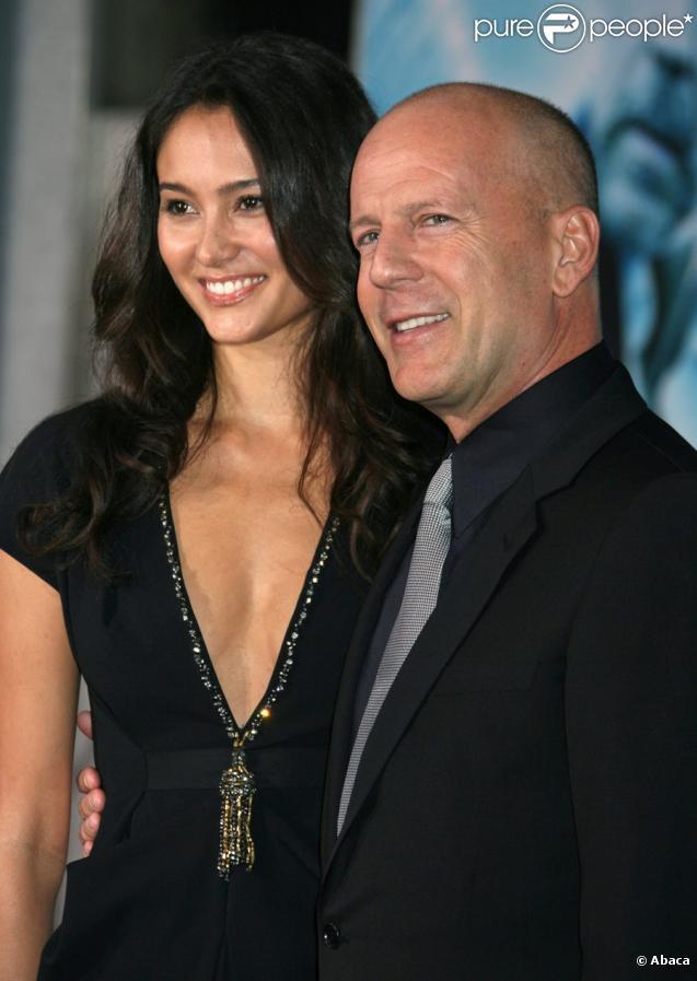 Bruce Willis et Emma Heming sur le tapis rouge de Surrogates à Los Angeles le 24 septembre 2009