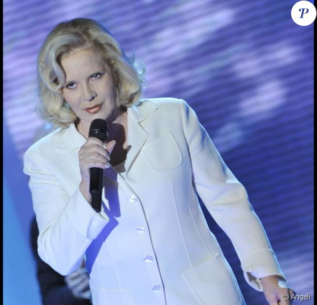 Sylvie Vartan, Vivement dimanche pour Pierre Cardin, diffusion dimanche 19 décembre 2010