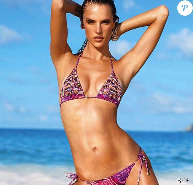 Alessandra Ambrosio pour Victoria's Secret, collection maillot 2011