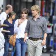 Carla Bruni et Owen Wilson, en tournage, se donnent la réplique dans le nouveau film de Woody Allen,  Minuit à Paris .