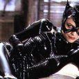 Michelle Pfeiffer incarnait Catwoman dans  Batman Le Défi . Anne Hathaway incarnera Catwoman dans  The Dark Knight Rises , en tournage à partir d'avril 2011.