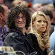 Howard Stern et sa femme Beth lors du match opposant les New York Knicks et les Miami Heat, au Madison Square Garden à New York, le 27 janvier 2011