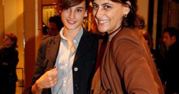 In s de la fressange avec ses filles violette et nine le 7 septembre 2010 pour le lancement de - Ines de la fressange filles ...
