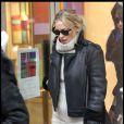 Kate Hudson laisse le glamour de côté et privilégie le confort, Paris le 28 janvier 2011.
