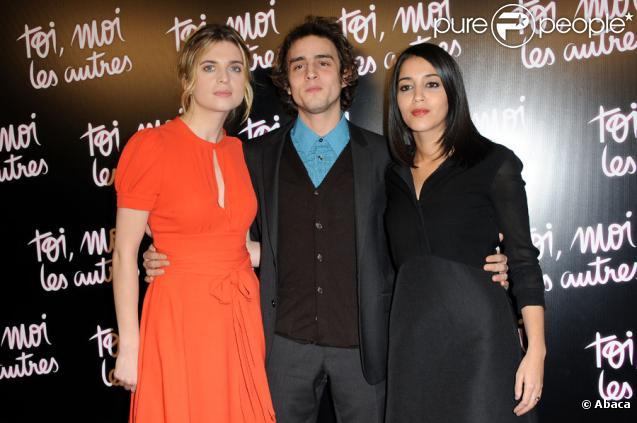 Cécile Cassel, Benjamin Siksou et Leïla Bekhti lors de l'avant-première à Paris du film Toi, moi, les autres, le 21 février 2011