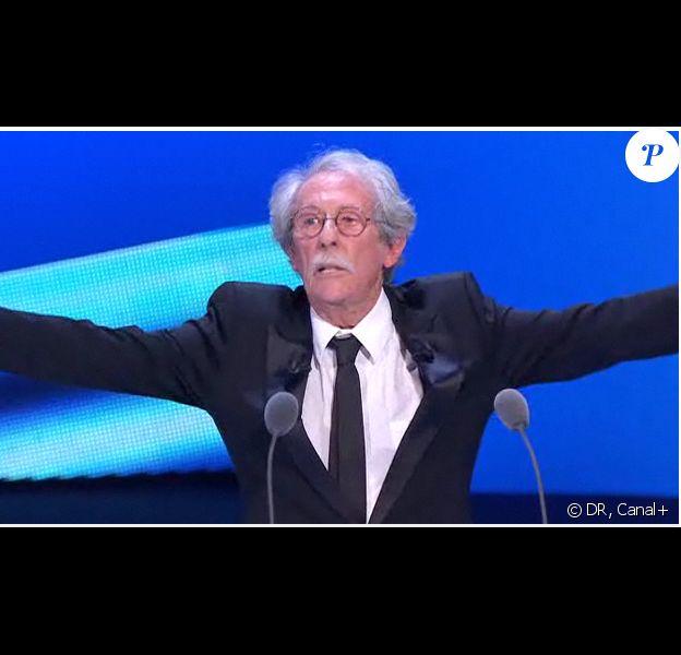 Jean Rochefort fait, à son tour, un discours sur la scène du Théâtre du Châtelet, pour la 36e nuit des César, vendredi 25 février.