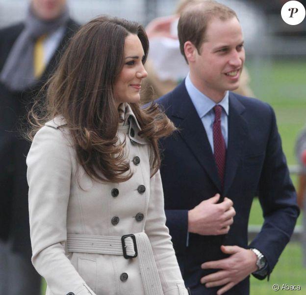 Le prince William et sa fiancée Kate Middleton en visite à Belfast, en Irlande du Nord, le 8 mars 2011.