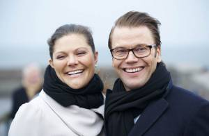 La princesse Victoria et Daniel très tendres devant une tour de Pise suédoise !