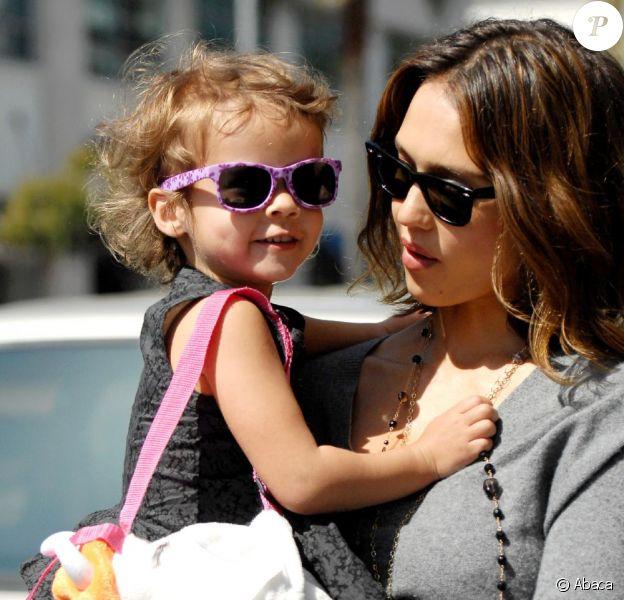 Jessica Alba et Honor le 11 mars 2011 à Beverly Hills