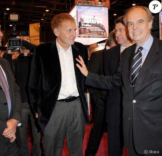 Inauguration du Salon du Livre de Paris, le 17 mars 2011 : Frédéric Mitterrand et Patrick Poivre d'Arvor.