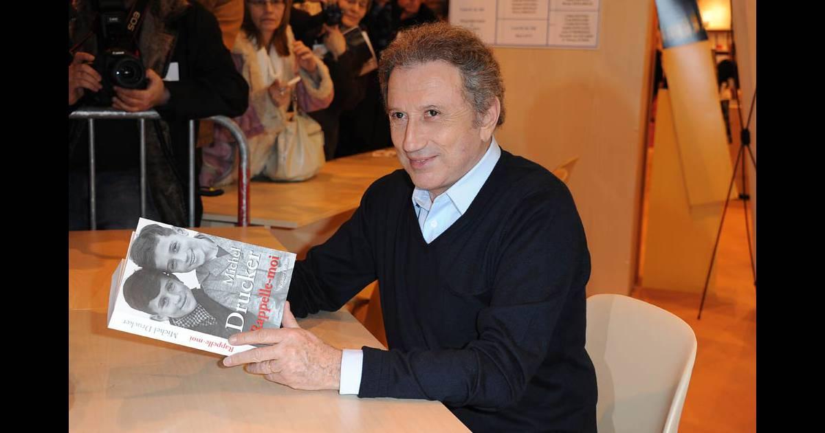 Michel drucker au salon du livre porte de versailles for Salon d orientation porte de versailles