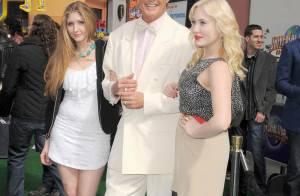 David Hasselhof sort ses deux filles aux côtés de Russell Brand et Hugh Laurie !