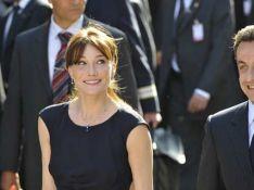 PHOTOS : Carla Bruni-Sarkozy a choisi Chanel pour son voyage en Tunisie
