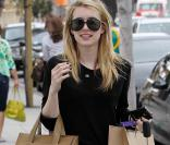 La ravissante Emma Roberts en journée shopping dans le quartier de Beverly Hills, à Los Angeles, le 2 avril 2011.