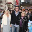 Tori Spelling, Dean McDermott et Candy Spelling assistent à la  représentation du spectacle How to succeed in business without really  trying, dimanche 3 avril à Broadway.