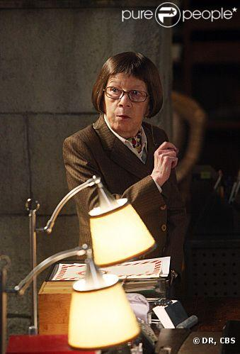 Linda Hunt dans NCIS : Los Angeles