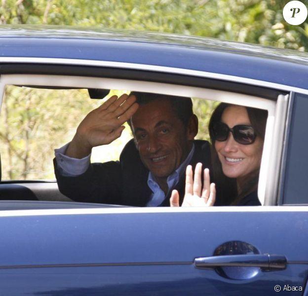 Nicolas Sarkozy et Carla Bruni-Sarkozy arrivent au Cap Nègre en juillet 2009