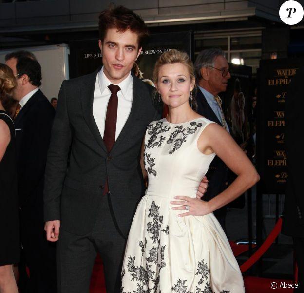 Robert Pattinson et Reese Witherspoon à l'avant-première de Water for Elephants au Ziegfeld Theatre à New York, le 17 avril 2011.