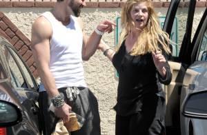 Kirstie Alley :  Déchaînée, elle met une main aux fesses à son partenaire !