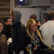 Anges de la télé-réalité 2 - Jonathan très proche de sa nouvelle proie Caroline!