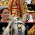 Le Prince William et son épouse Kate Middleton quittent l'abbaye de Westminster pour se rendre à Buckingham Palace le 29 avril 2011