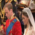 Prince William et Kate Middleton échangent leurs voeux dans l'abbaye de Westminster, le 29 avril 2011