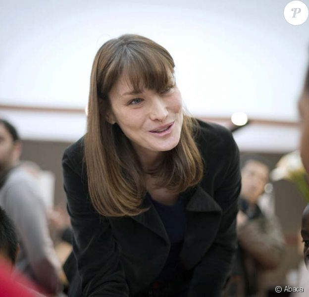 Carla Bruni-Sarkozy au salon du livre de Paris, le 18 mars 2011.