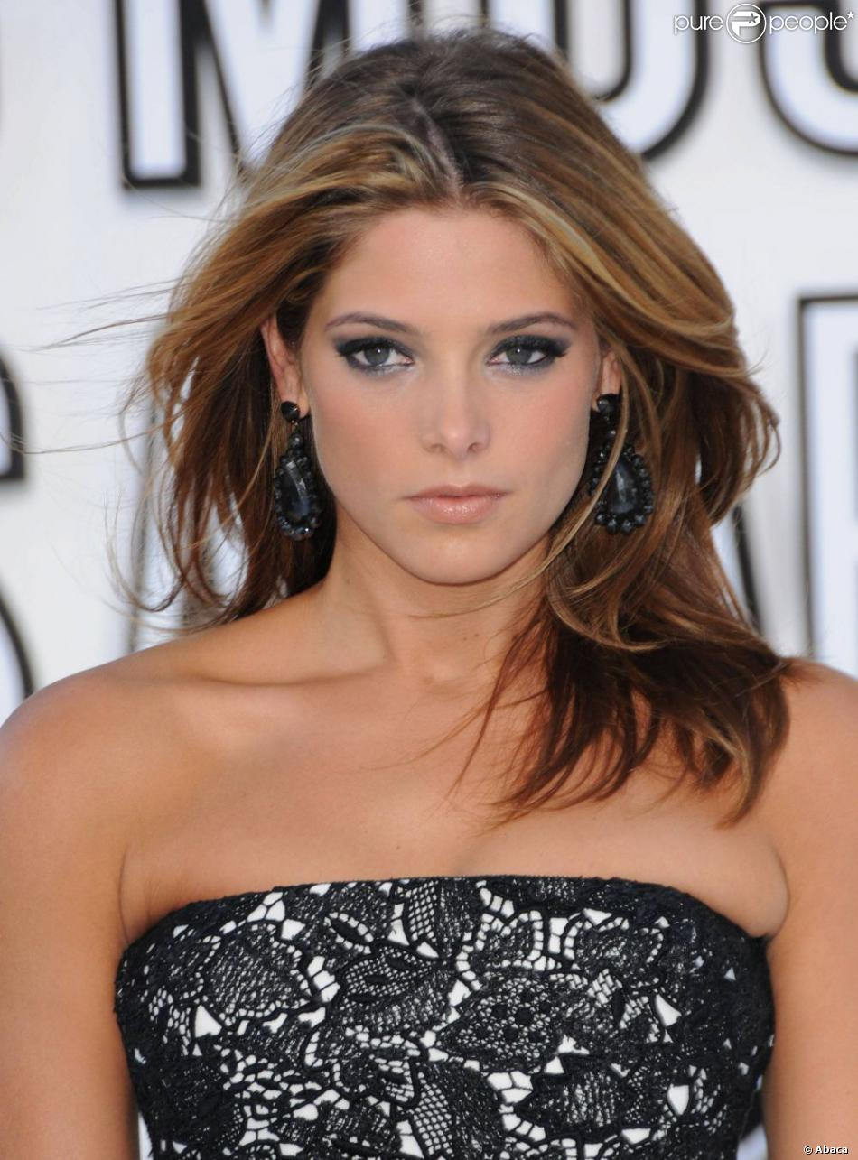 Ashley greene avec un chatain miel r hauss par des m ches - Meche miel sur brune ...