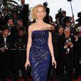 Karolina Kurkova a redonné à l'élégance ses lettres de noblesse lors de la cérémonie d'ouverture du 64ème Festival de Cannes, le 11 mai 2011. Elle portait des bijoux Cartier.
