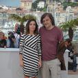 Elodie Bouchez et Emir Kusturica (président) lors du photocall du jury de la section Un Certain Regard au festival de Cannes le 12 mai 2011