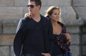 Michael Bublé : Le crooner est aux petits soins avec sa jeune femme rebelle !