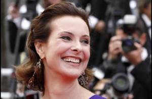 Cannes 2011 : Carole Bouquet éblouit le tapis rouge de Sleeping Beauty !