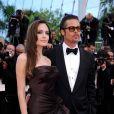 Brad Pitt et la sublime Angelina Jolie lors de la montée des marches de  The Tree of Life , dans le cadre du 64e Festival de Cannes, le 16 mai 2011.