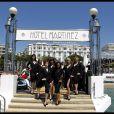 Les superbes girls du Crazy Horse présentent la collection Chopard, sur le ponton du Martinez, lors du 64e Festival de Cannes, le 17 mai 2011.